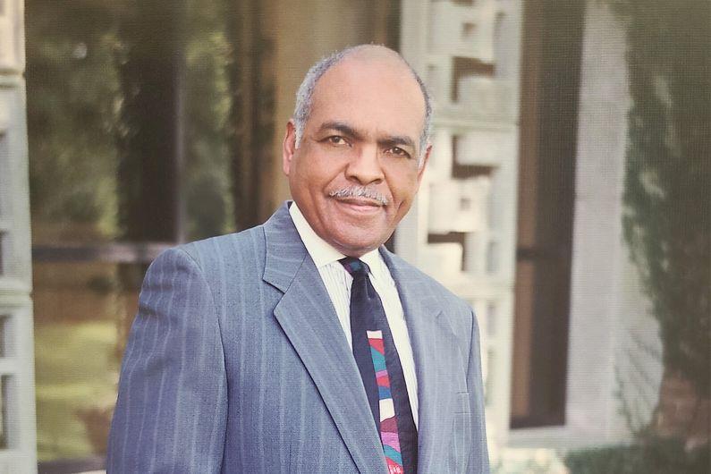 Dr. Louis Pendleton, Dr. Karen's father